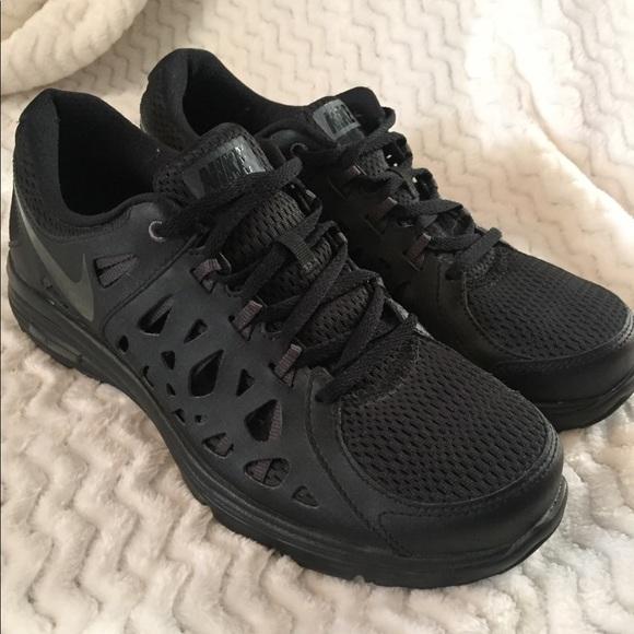 251e8bd3021aa Nike Dual Fusion Run 2 Men s Running Shoes Size 9.  M 5c3a3610035cf190f9d1e16e